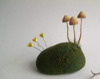 Felt Pincushion - Needle Felted Mushrooms - Mushrooms