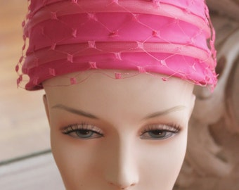 Vintage 1950s-1960s Pink Netted Toque Hat