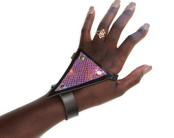 Trianthem Hand Harness -- Leather