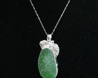 Large Green Sea Glass Pendant, Sea glass necklace, Beach glass pendant, beach glass necklace, Spring necklace, Silver Necklace, Statement