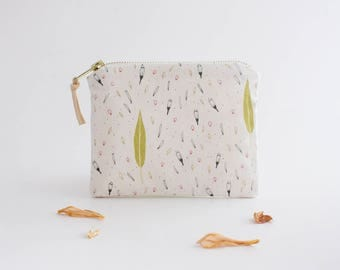 Botanical Zipper Pouch. Mini Zipper Pouch. Small Makeup Bag. Cosmetic Pouch. Leaf Fabric Design. Nature Inspired. Floral