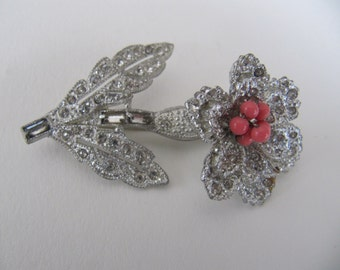 Vintage 1940's Trembler brooch, silvertone metal and rhinestone flower brooch pin, nodder pin brooch, wiggler flower pin with coral stamens