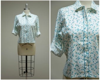 Vintage 1950s Shirt • Posy Bouquet • Blue Floral Cotton Blend 50s Blouse Size Medium