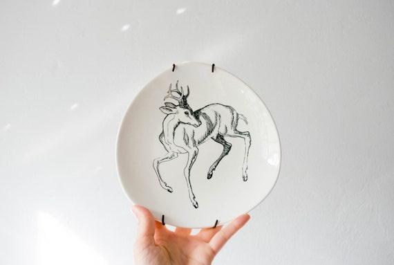 Mid Century Deer Wall Plate // Norske Dyretegninger Stavangerflint