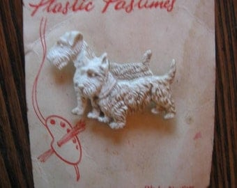 1940s Scotty Scottie Airedale Plastic Pastimes Pin Brooch Paintable Original Card