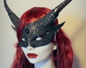 Black Pixie Mask