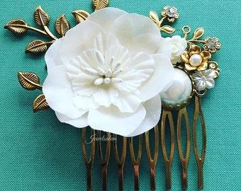 Victorian Wedding Comb Grecian Gold Bridal Hair Accessories White Flower Hair Pin Leaves Rhinestone Pearl Hair Clip Elegant Hair Slide