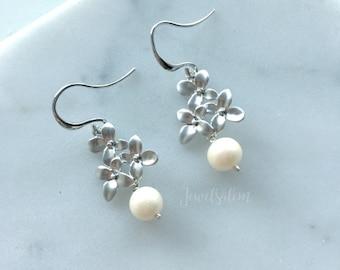 Pearl Earrings, Freshwater Pearl, Sterling Silver, Leaf, Bridal, Modern, Wedding Jewelry, Bridesmaids, Gift, Maid of Honor