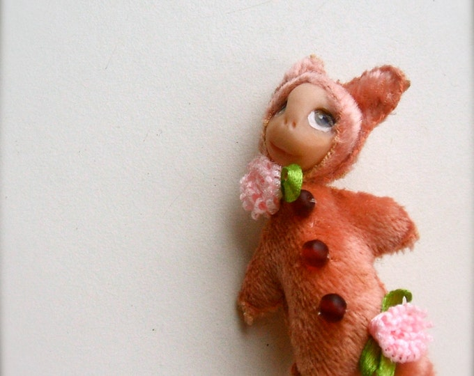 Primitive doll brooch, Bear Brooch, cute brooch, animal Original brooch, Bear pin, Original gift, Present for Her, Handmade brooch