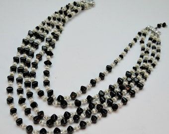 1960s Black and White Beaded Necklace