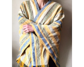 Vintage 100% Wool Blanket Poncho/Shawl/Made in Colombia
