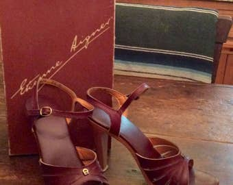 1970's Etienne Aigner Burgundy leather Wood platform shoes 7.5