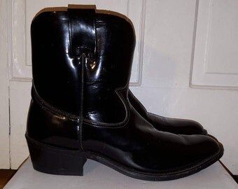 PATENT LEATHER BOOTS // Men's Shiny Black Ankle Boots Cowboy Pointy Size 8 9 Strehle's 70's Western Costume 80's