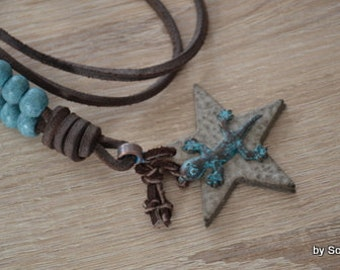 Leather necklace with star and Gecko