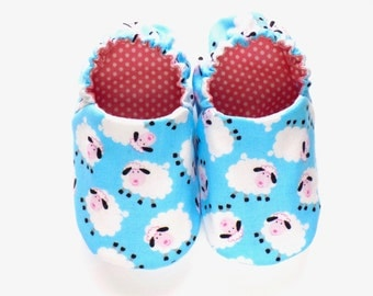 Sheep Baby Girl Shoes, Soft Sole Shoes, Slip on Baby Shoes, Sheep for Girls, Girl Crib Shoes, 0-6 mos Baby Booties, Baby Girl Gift