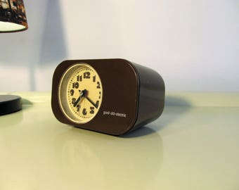 Retro Electric Alarm Clock made by Good-Old-Electric in Germany in the 70s Brown color