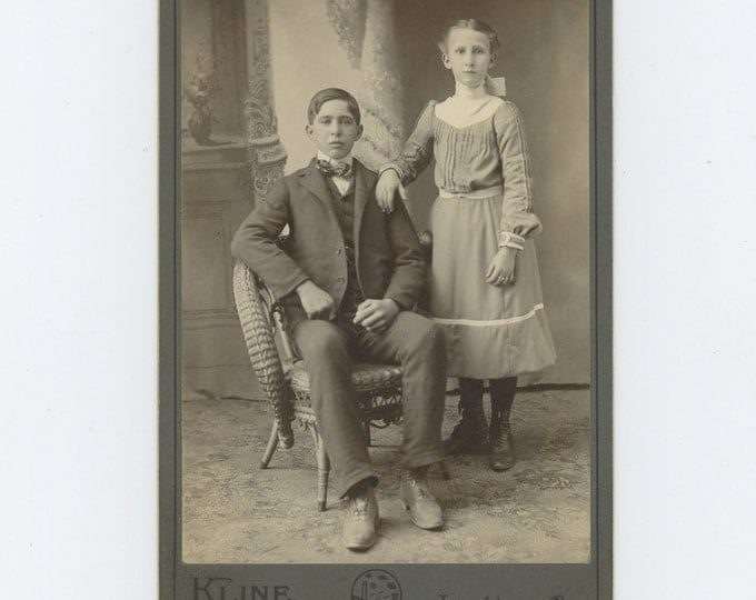 Victorian Cabinet Card 1800s: Brother & Sister? by Kline Studio, Leechburg, PA  (71549)