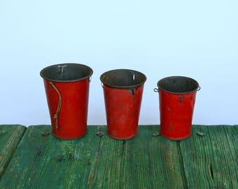 Vintage Italian metal measuring cups