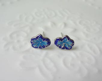 Cloisonne is a beautiful small fish baked porcelain ear nail gilding the blue technology 0326-2