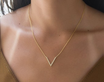 Gold V Necklace, Arrow Necklace, Chevron Necklace, Layering Necklace, Gold Necklace, Dainty Necklace Gold, Pendant Necklace N266-G