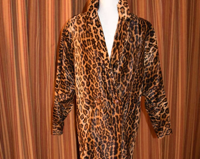 Featured listing image: Vintage 1980's Timeless Lillie Rubin Leopard Print Large Lightweight Jacket with Batwing Sleeves and Padded Shoulders Excellent Condition