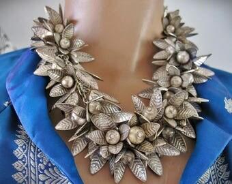 Vintage CHUNKY Leaf Petal Flower Drop Dangle Charm Fringe Bib Lei-Style Cha-Cha Choker Collar Necklace LOADED!