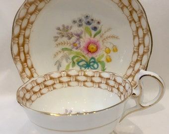 ROYAL ALBERT TEACUP and Saucer English bone china Basket weave border Floral tc114