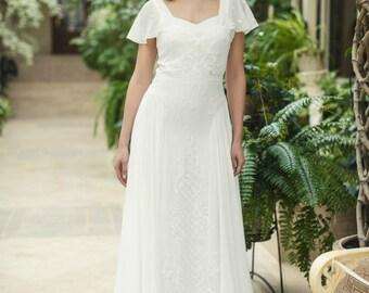 Bohemian Wedding Dress L20, Ivory Chiffon Wedding Dress with Lace, Lace A-line Wedding Dress with Train L20, Romantic wedding gown