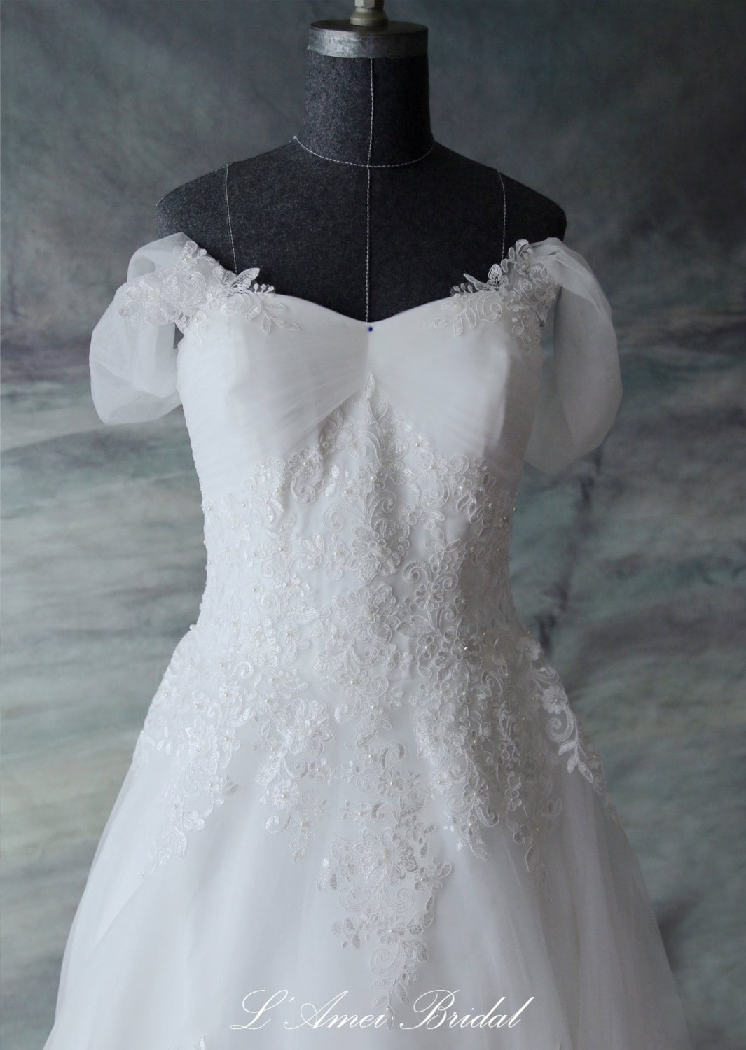 Custom f Shoulder A Line French Lace Wedding Dress Gown with