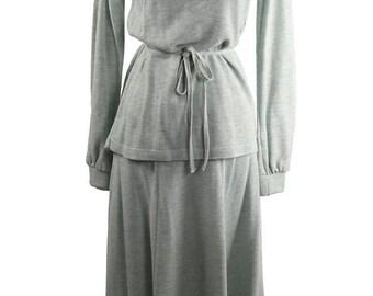 Vintage 1970's Pointelle Knit Skirt Set / Vll - Div.of Venice Industries / Midi Lenth Panel Skirt / Pull Over Sweater / Daytime Retro Affair