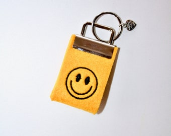 "Mini key chain made of felt ""Smile"" yellow"