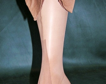 """Vintage 3 Pair Full Fashioned Seamed Nylon Stockings  Sz 10  31"""" Long  Service Weight Wide Welt For Plus Size Larger Legs"""