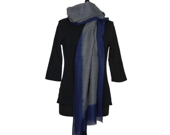 MERINO WOOL SCARF - Fine grey scarf with mid Blue Border