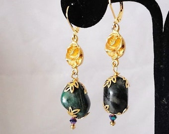 Splendid Gold Matte 20 Carat Polished Emerald Earrings.*****