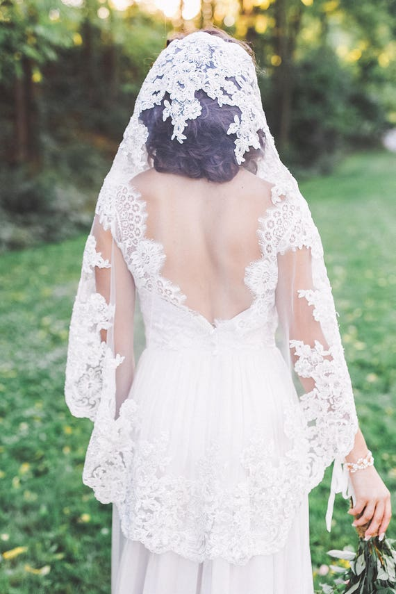 mantilla veil, lace mantilla veil, lace edge mantilla, lace mantilla wedding veil, lace bridal veil, lace edge veil - MERCEDES