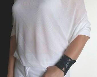 Leather wristlet, Wristlet wallet, Black wristlet wallet, Spider wristlet, Unique Womens Gifts