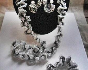 Bead weaving oglala semiprecious stones jewelry set Beaded oglala necklace bracelet earrings ring Semiprecious stones  seed beads