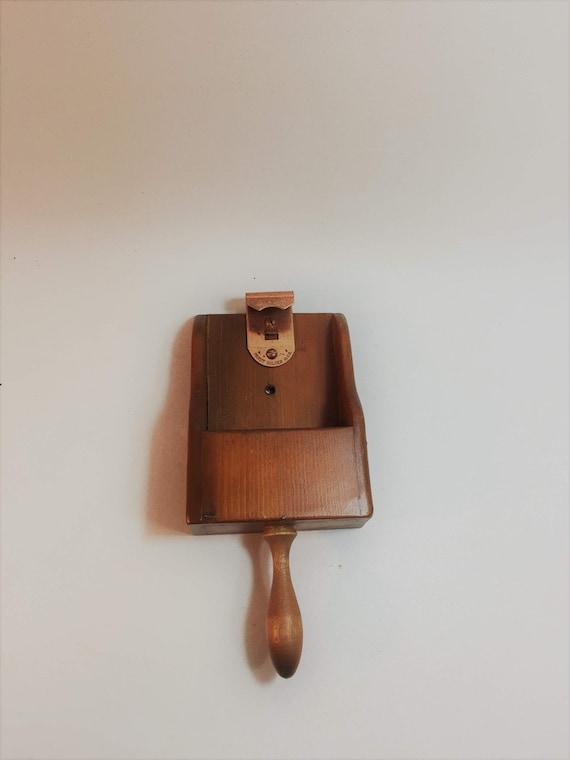 vintage wood wall mount bottle opener. Black Bedroom Furniture Sets. Home Design Ideas