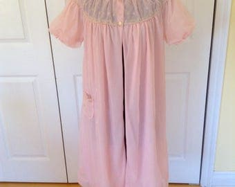 1950's Pink Chiffon Peignoir Robe- Large, ecru embroidery, floaty, pretty!