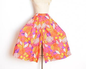 vintage 80s pants, floral print pants, gaucho pants, wide leg pants, palazzo pants, 80s printed pants, 1980s 80s clothing, cropped pants S M