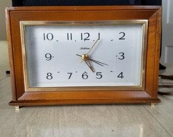 Vintage Wooden Sunbeam Mantle/Bedroom Dial Electric Clock