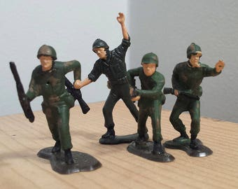 Four vintage Toy Soldiers, Plastic Army Men, Military Toys, Action Figures