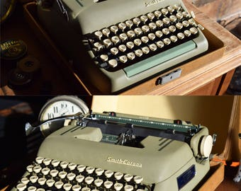 Smith Corona Super Manual Typewriter  - Made in Canada - Green & Cream - Excellent Collector's Condition - 100% Functional