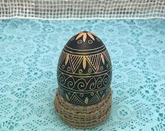 Pysanky Pysanka Ukrainian Black on Brown Egg