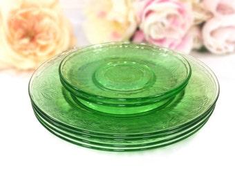 6 Green Depression Glass Plates, 4 Green Depression Glass Salad Plates, 2 Saucers, Vintage Dinnerware #A624