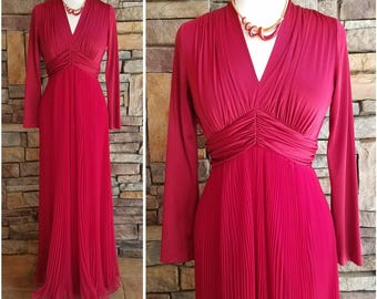 Frothy pleated full length cranberry chiffon formal dress - large