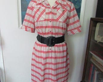 Vintage pink & taupe check day dress with front pockets and contrast gold-tone domed buttons