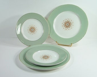 2 flat plates and  2 dessert plates Satin-white Tudor Star by Grindley Staffordshire  white and green plate vintage Made in England