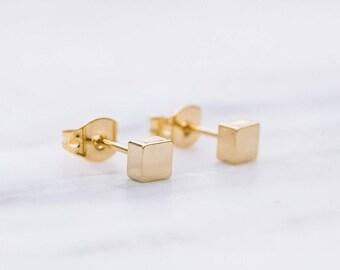 Tiny Square Earrings / Gold Square Stud Earrings / Geometric Earrings / Dainty Earrings / Bridesmaid Earrings
