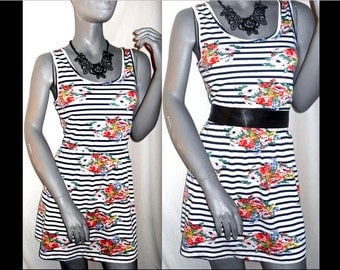 Floral/STRIPE Multi-Color Sleeveless Scoop Above Knee Length Sun Dress M